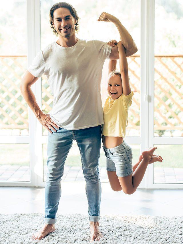 Vater und mit starker Tochter dank CONVA Sicherheitstraining