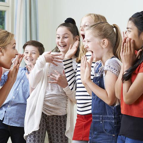 Begeisterte Kinder mit Spaß beim CONVA-Training